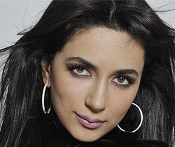 Biografia di Singer Zara