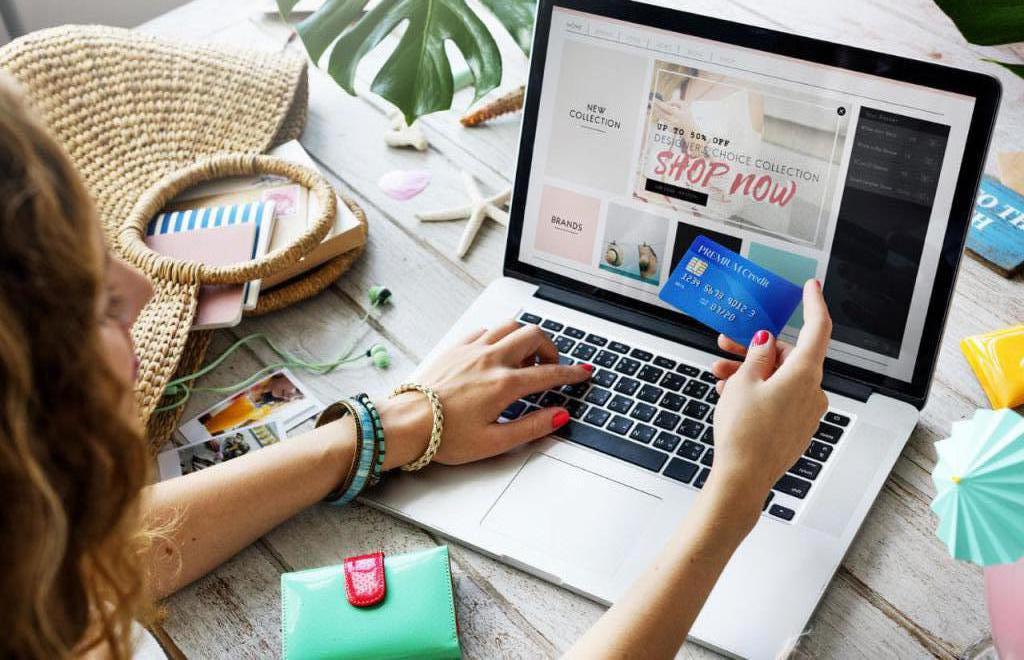 Spletno nakupovanje je donosno, priročno in hitro.