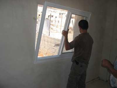 padinama na prozorima vlastitim rukama