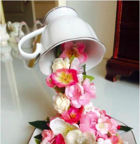 ogromna šalica kanzashi cvijeća