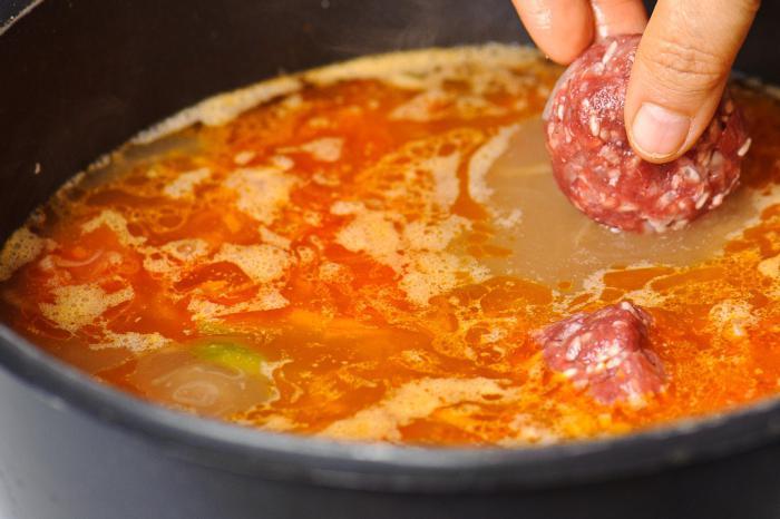 kako kuhati juho s mesnimi kroglicami