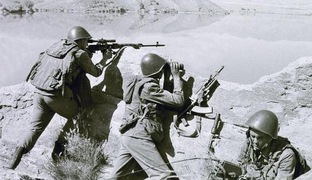 Ден на съветската армия и флот