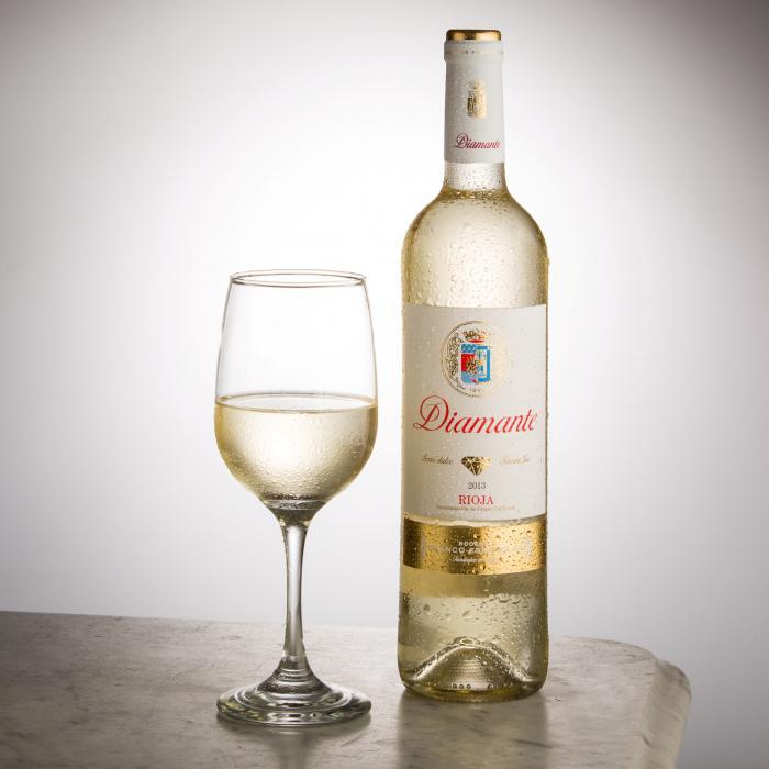 Białe hiszpańskie wino