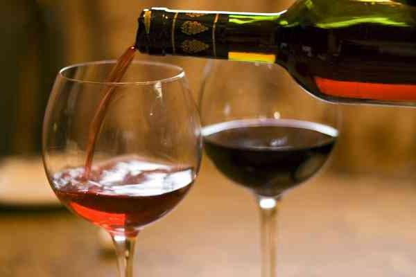 Hiszpański wino czerwone wytrawne