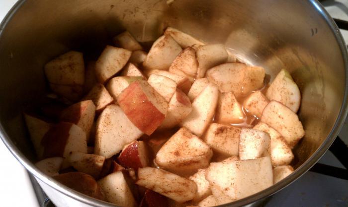 пълнеж за палачинки от ябълки