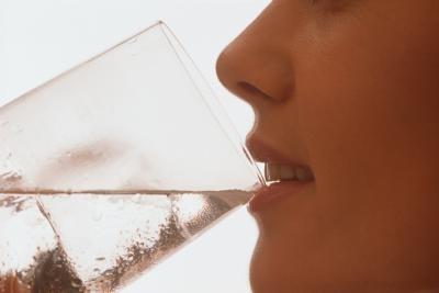 přetrvávající sucho v ústech