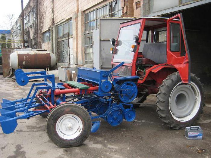 Traktor T-16: fotografija