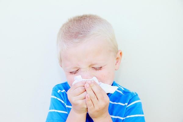 come curare un bambino freddo