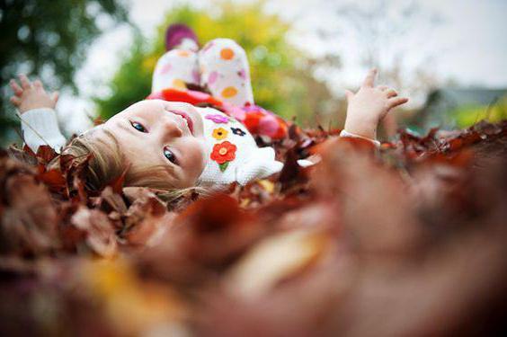 nápady na podzimní fotografování fotografií s dítětem