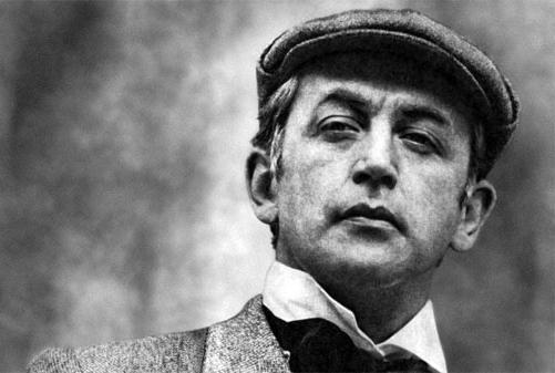 Vasily Livanov nei panni di Sherlock Holmes