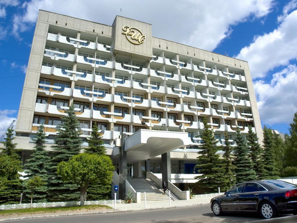 Dis Hotel