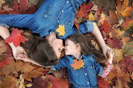 servizio fotografico autunnale sulle idee della natura con i bambini