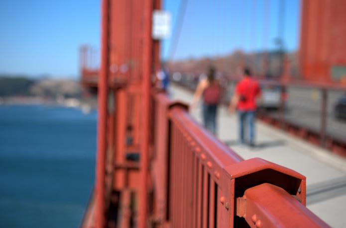 kjer je most z zlatimi vrati