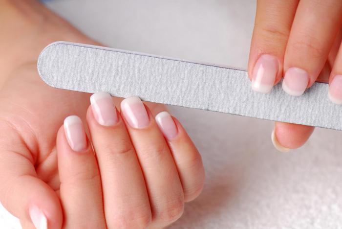 come fare una bella forma delle unghie