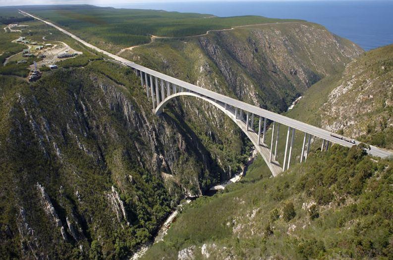 Ponte Bloukran, in Sudafrica