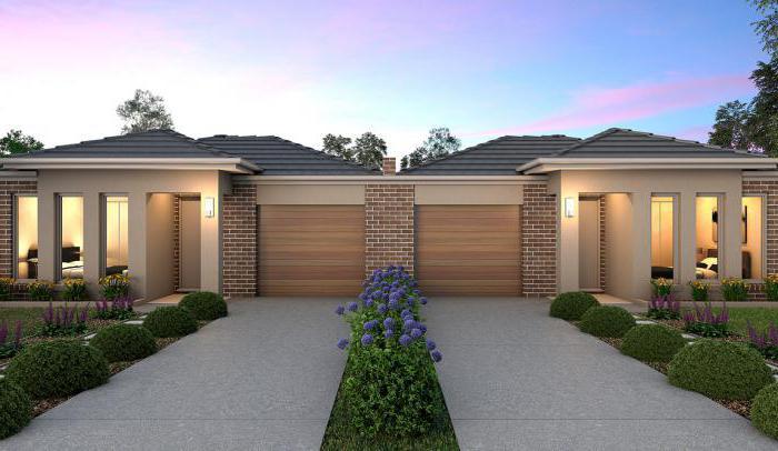 progetto di una casa di mattoni a un piano per due proprietari