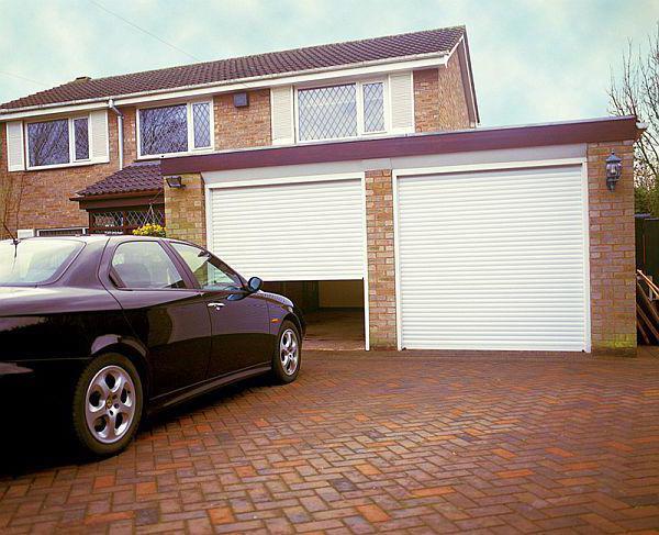 Wielkość dołączonego garażu na 2 samochody