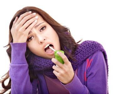 антибиотичен спрей за гърлото