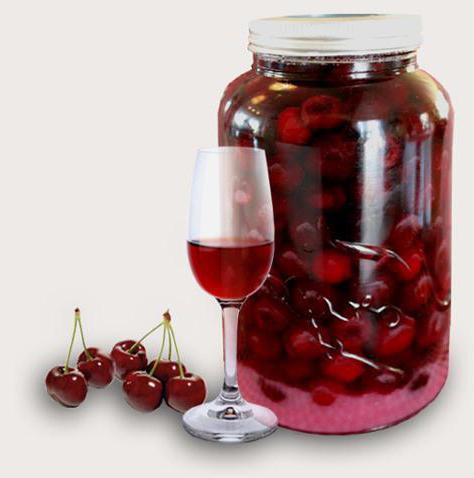 Cherry тинктура на водка е проста рецепта