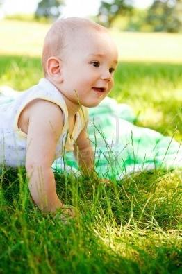 kako nositi novorojenčka poleti