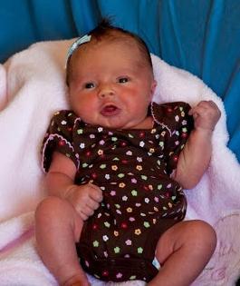 kaj kupiti za novorojenčka poleti