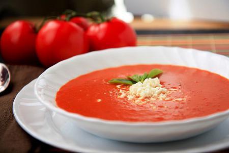 пире од парадајз супе