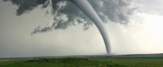 Tornado nad ziemią
