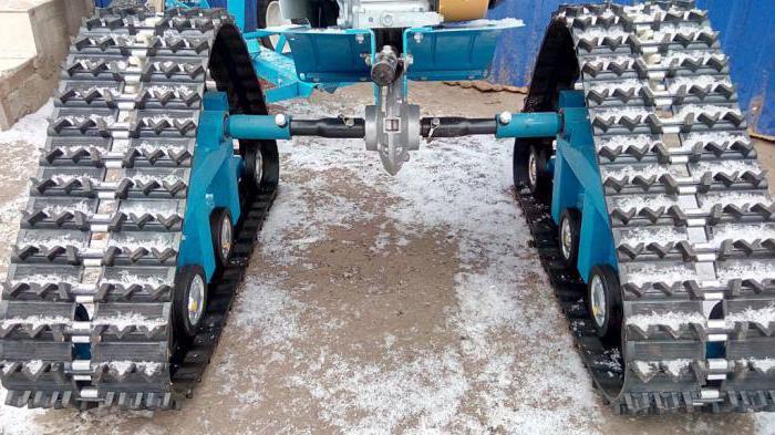 sledovaná předpona pro traktory za chodbou