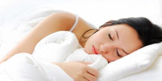 come sbarazzarsi di russare in un sogno