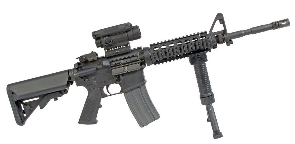 Arma combinata Colt M4 con RAS, M68 CCO e GPS-02 Capture Block