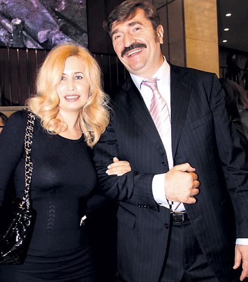 Commissari con sua moglie Alla