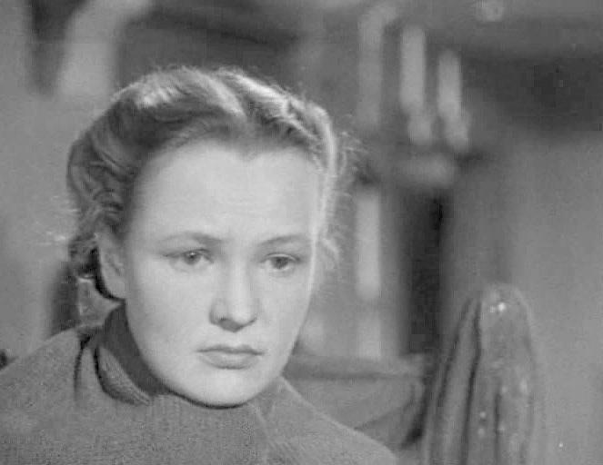 Вера Алтаи биографија