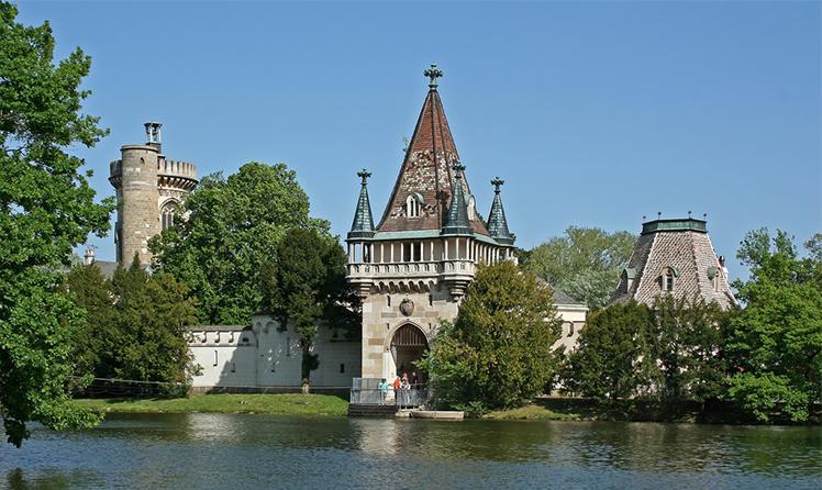 zamek franzensburg