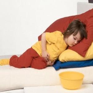 cosa fare se il bambino sta vomitando