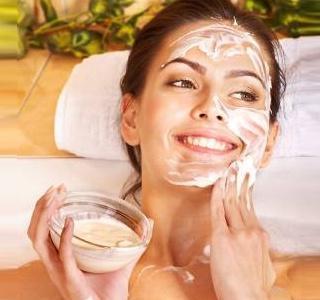 rimuovere i segni dell'acne