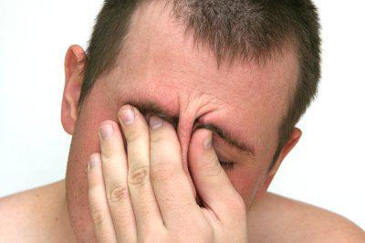 mal di testa, debolezza da sonnolenza