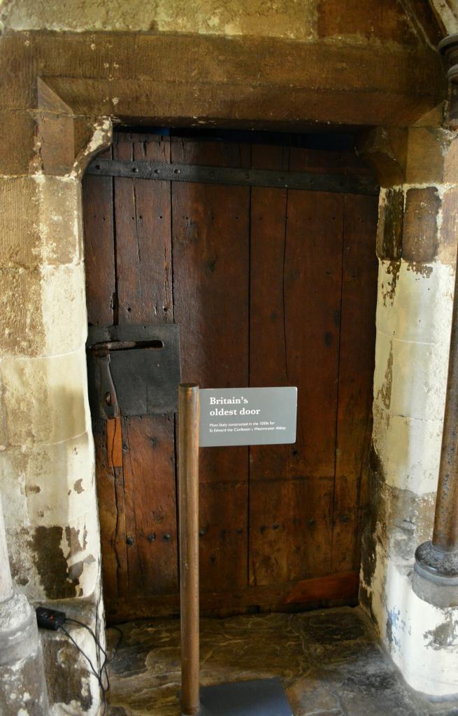 Најстарија врата у Великој Британији