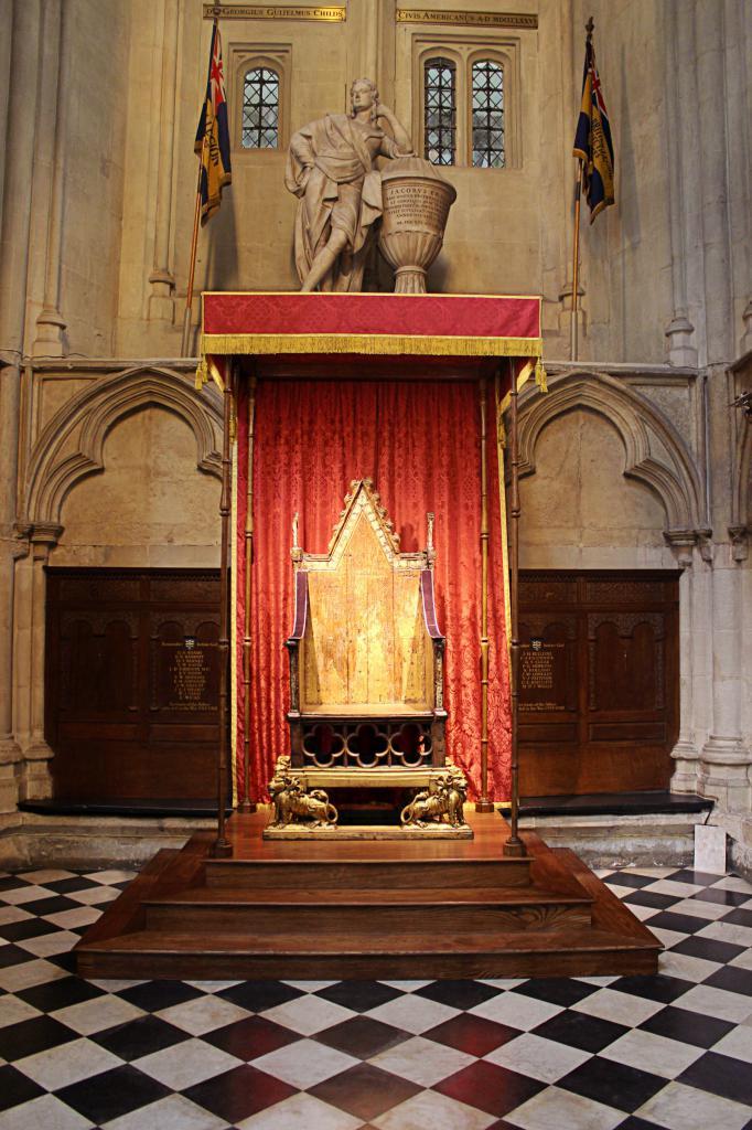 Коронацијска столица у Вестминстер Аббеи