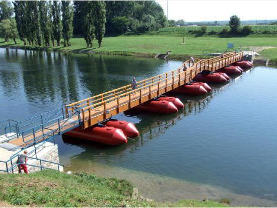 plavajoči pontoni
