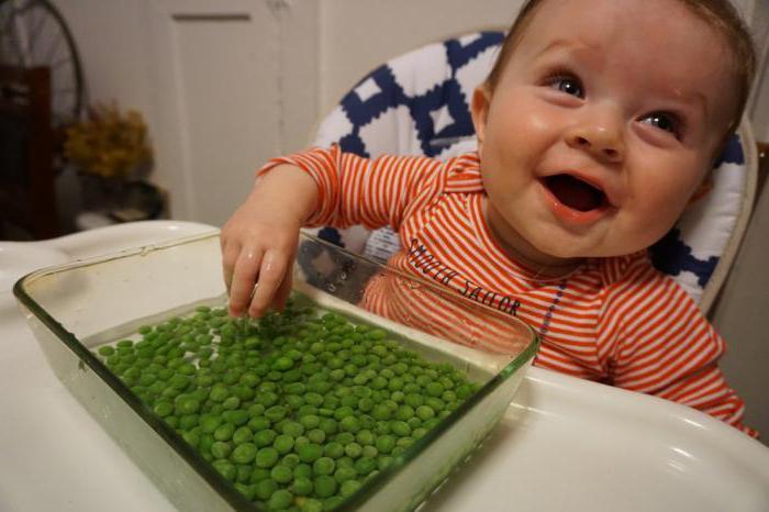 otroka 6 mesecev razvoja, ki je sposoben