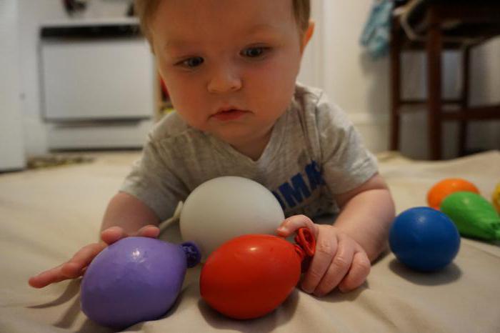 6 mesecev otroka, kar naj bi imelo dekle