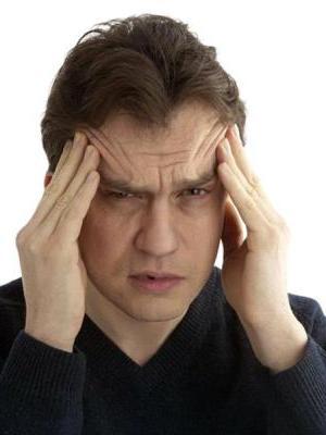 Forte mal di testa nei templi