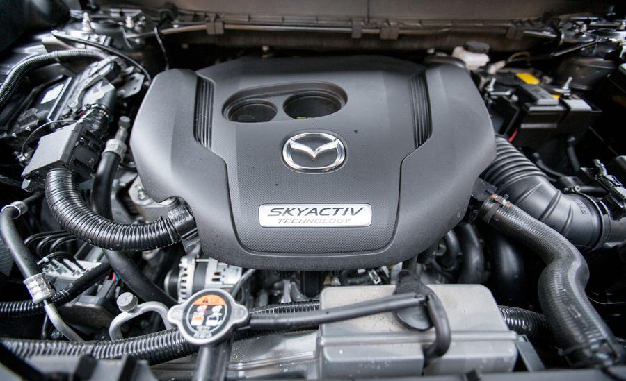 Motor na vozidle Mazda