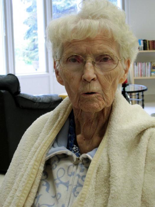 la nonna morta sogna costantemente