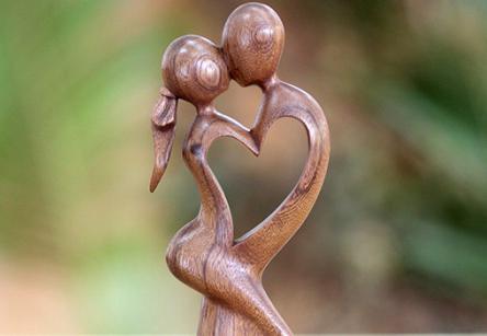 che danno un matrimonio in legno