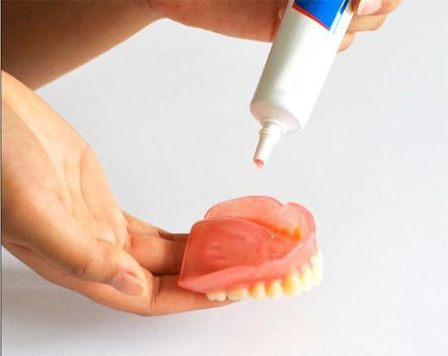 лепак за протезе