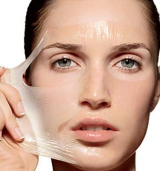 staccare la pelle sul viso