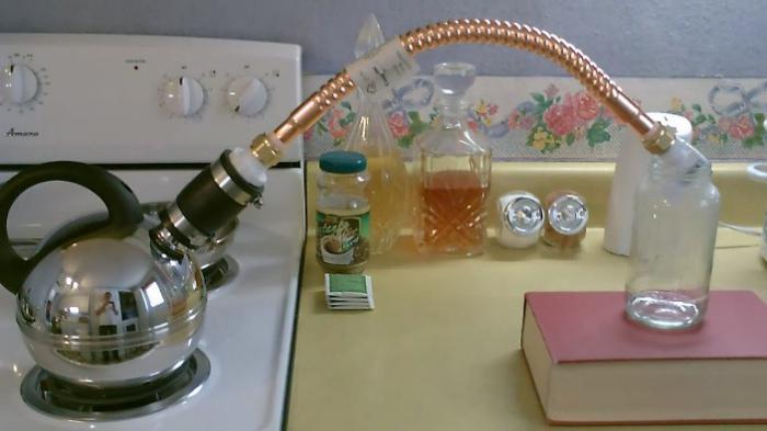 acqua distillata a casa
