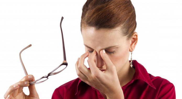 astigmatismo miope in entrambi gli occhi