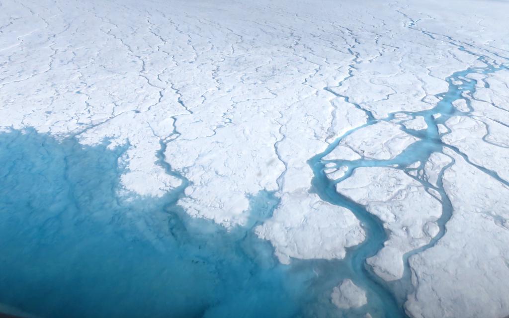 Река в Антарктида
